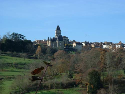 Vue de Thiviers                                                                               (photo deschconcept 12 2001)